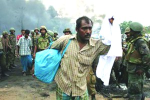 Figure 10 b Tamil People at the Last Redoubt after the final battles 2009