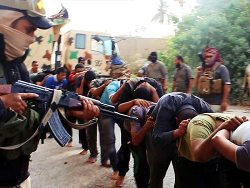 ISIS kills 22