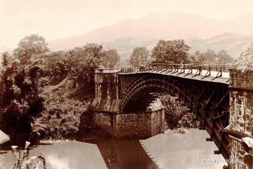 40=Satinwood Bridge-P'deniya