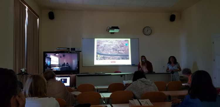 Myriam Seco Cursos de verano UNED Los ajuares encontrados en el yacimiento del templo de Tutmosis III