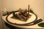 Eine THW-Eisenbahn mit einem Diorama, das die THW-Modellbaugruppe aus Reinickendorf eigens angefertigt hat. Foto: THW/Jan Holste