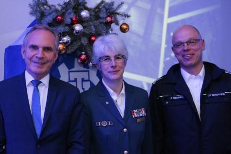 Hartmut Ebbing MdB, Hedwig Karkut und Jörg Rieder (Johanniter)