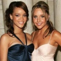 """Amanda Bynes ataca Rihanna pelo Twitter e diz que Chris Brown bateu nela por """"não ser bonita o suficiente"""""""