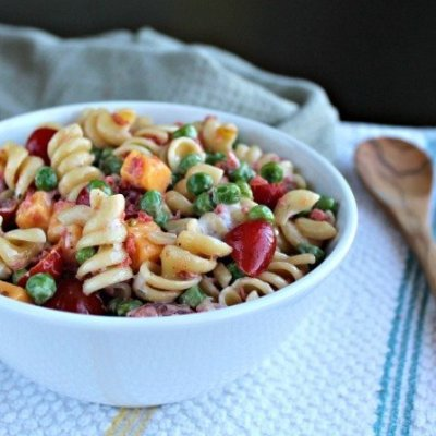 Cucumber Ranch Pasta Salad