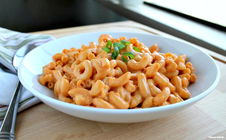 5 Ingredient Buffalo Mac and Cheese~ Thyme for Cocktails