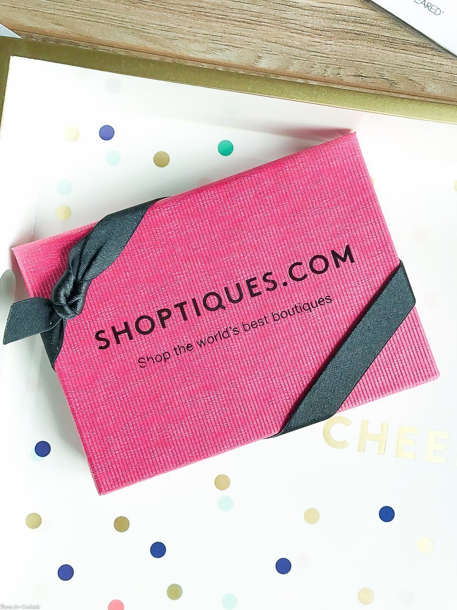 It's going to be a good day when my POPSUGAR Must Box shows up! The August Must Have is a special box because POPSUGAR Must Have turns 5 this month!