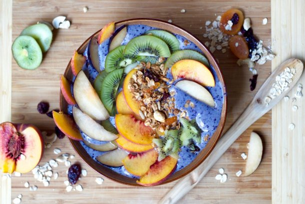 blueberry smoothie bowl with vanilla apricot granola