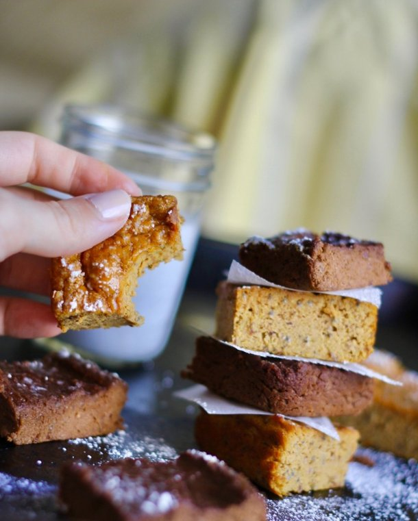 Flourless Protein Pumpkin Spice Bars