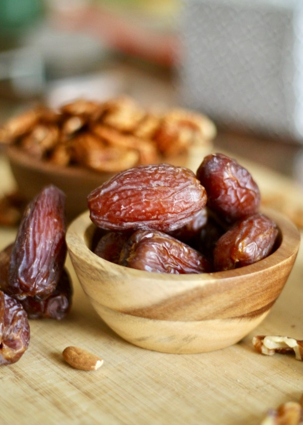 raw date and nut bites
