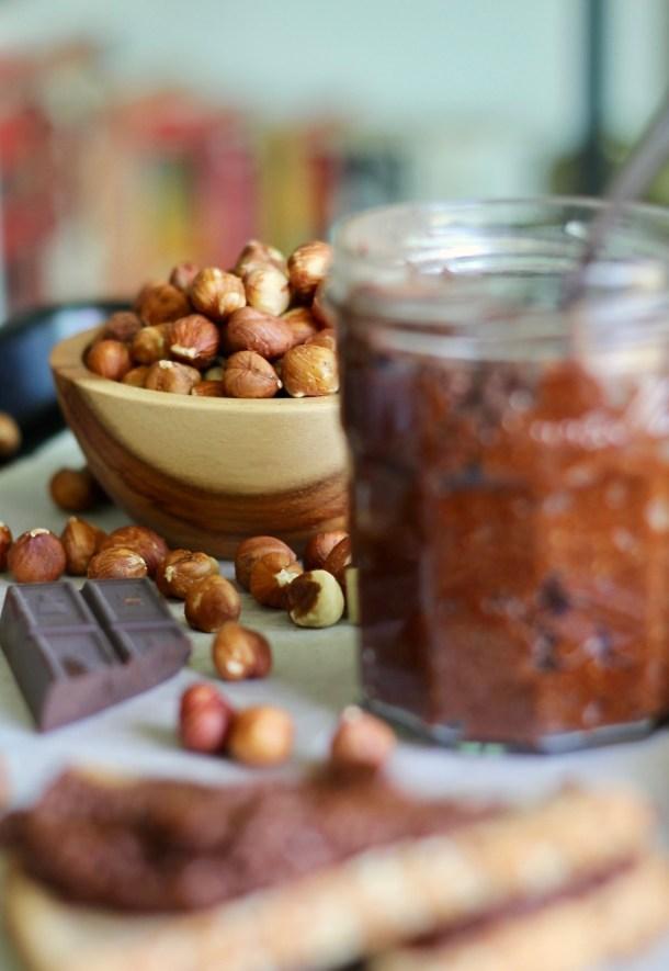 4 Ingredient Chocolate Hazelnut Spread