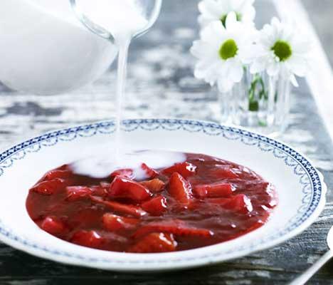 This is 'rødgrød med fløde'