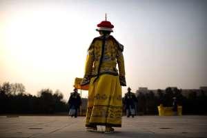 Cérémonie de la dynastie Qing , lors d'une fête du temple au parc Ditan à Beijing, le mardi 5 février 2019. Les Chinois célèbrent le premier jour de la fête lunaire Nouveau Année, photographie de Mark Schiefelbein)