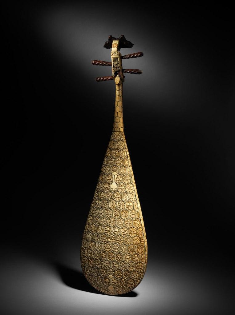 Pipa, bois, ivoire, os, soie, dynastie Ming (1368-1644)
