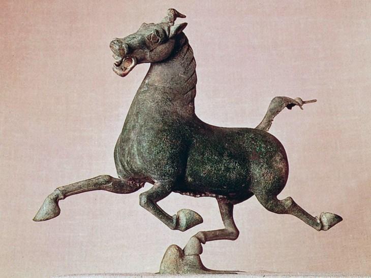 Cheval et hirondelle, sculpture en bronze de la tombe du général Chang,