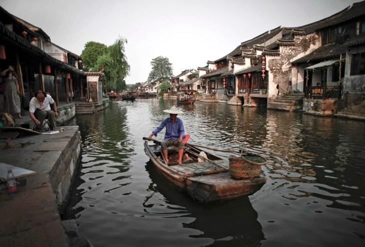 Rivière à Xitang, 2011, photographie d'Andy Wong