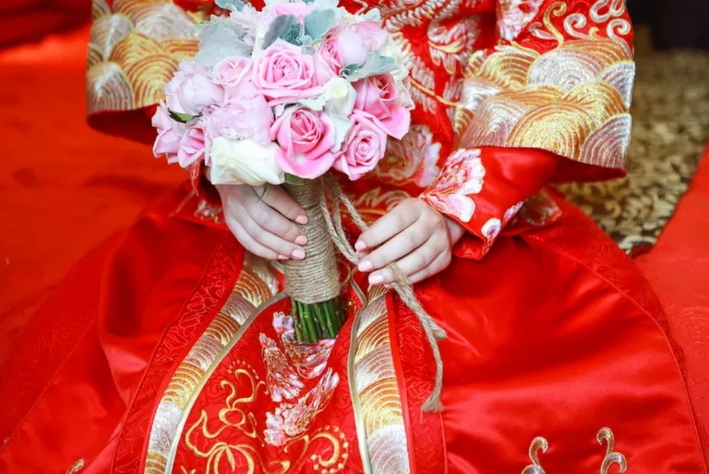 Robe rouge de mariée chinoise