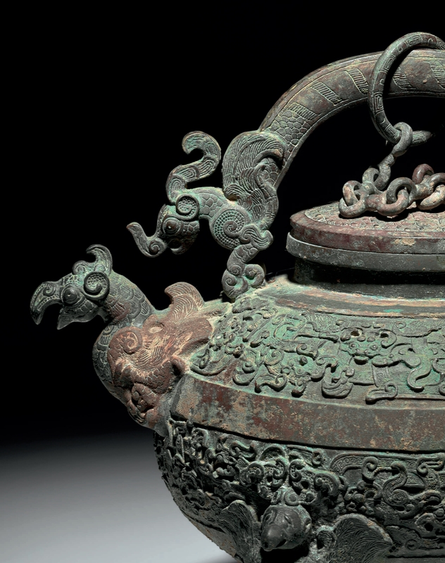 Aiguière tripode finement moulée et couvercle, He, période des Royaumes combattants, détail