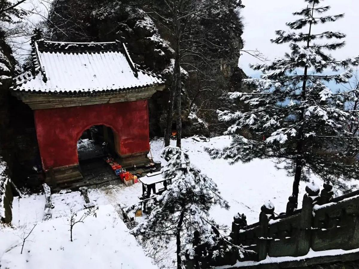Sur la route du temple doré