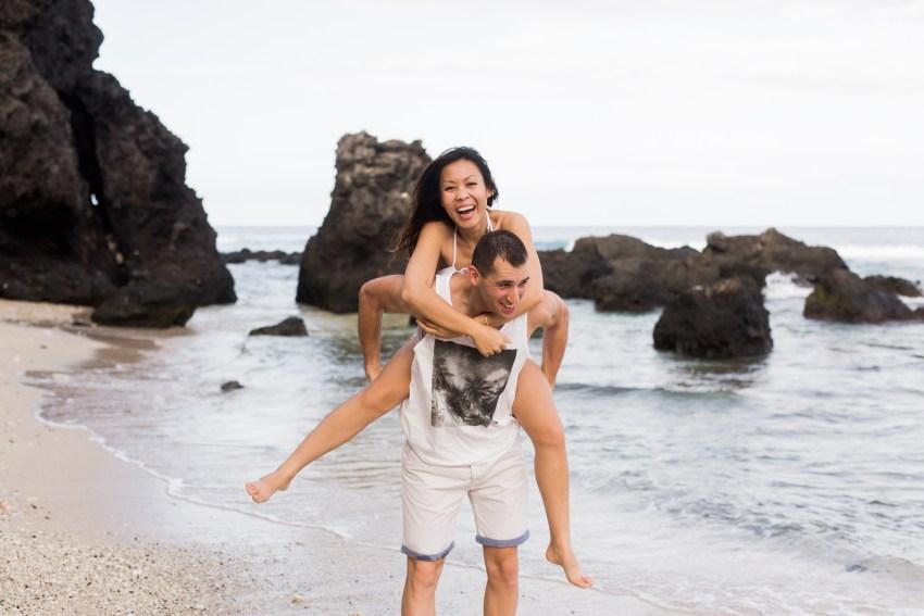 couple-iledelareunion-974-plage-tropical-shooting-seancephoto-photographe-fun-naturel