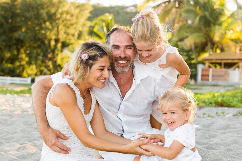 famille-enfant-plage-shooting-seancephoto-photographe-reunion-saintgilles-saintpaul-fannytiara