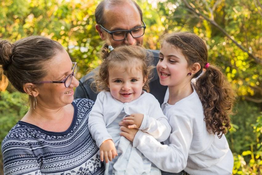 une famille joyeuse à la Réunion