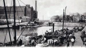 Bassin 1900 bedrijvigheid laden lossen