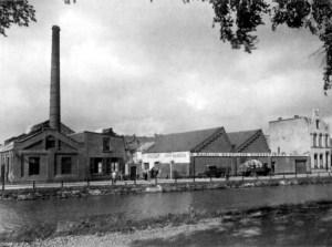 Lage kanaaldijk 1945 Bataafse Rubberind. Walram