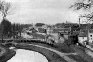 Zwanenvijver en St. Pieterspoort ±1867