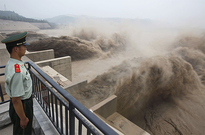 China's Great Dam Boom: An Assault on Its River Systems | Central ...