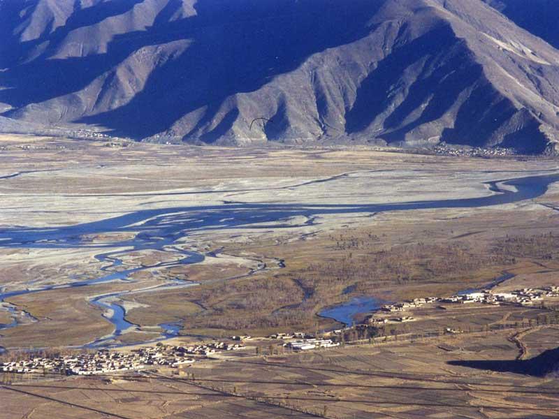 lhasa river valley