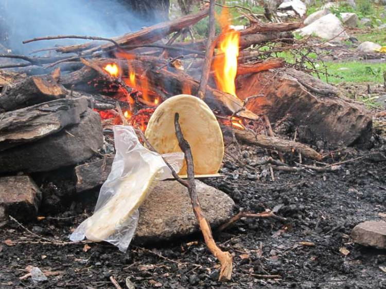 kangding trek bread baking