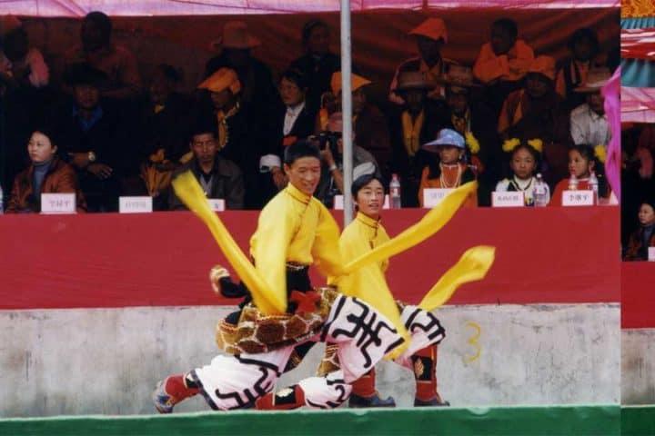 litang horse festival dance