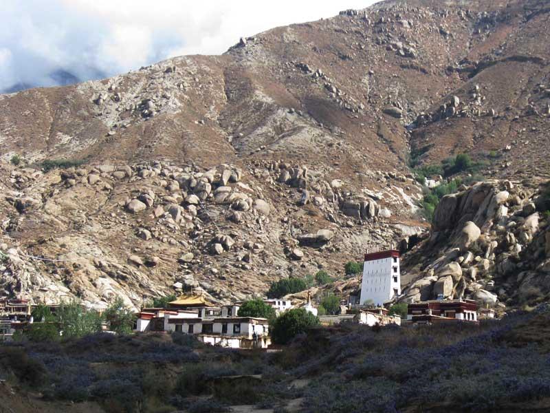 sera monastery before shoton festival