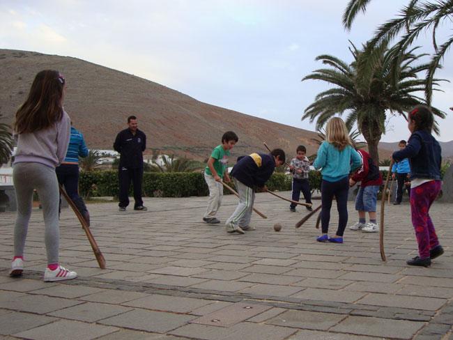No Olvides Lo Nuestro organizó un taller de deportes autóctonos en Betancuria