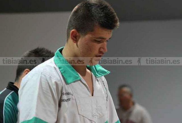 Javier García frenó a Raúl Peñate que venía de tirar a ¡¡¡11 rivales!!!