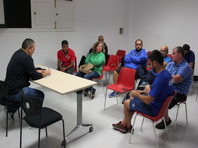 Jacobo Lemes se reune con los clubes para organizar el Torneo de Fútbol Prebenjamín