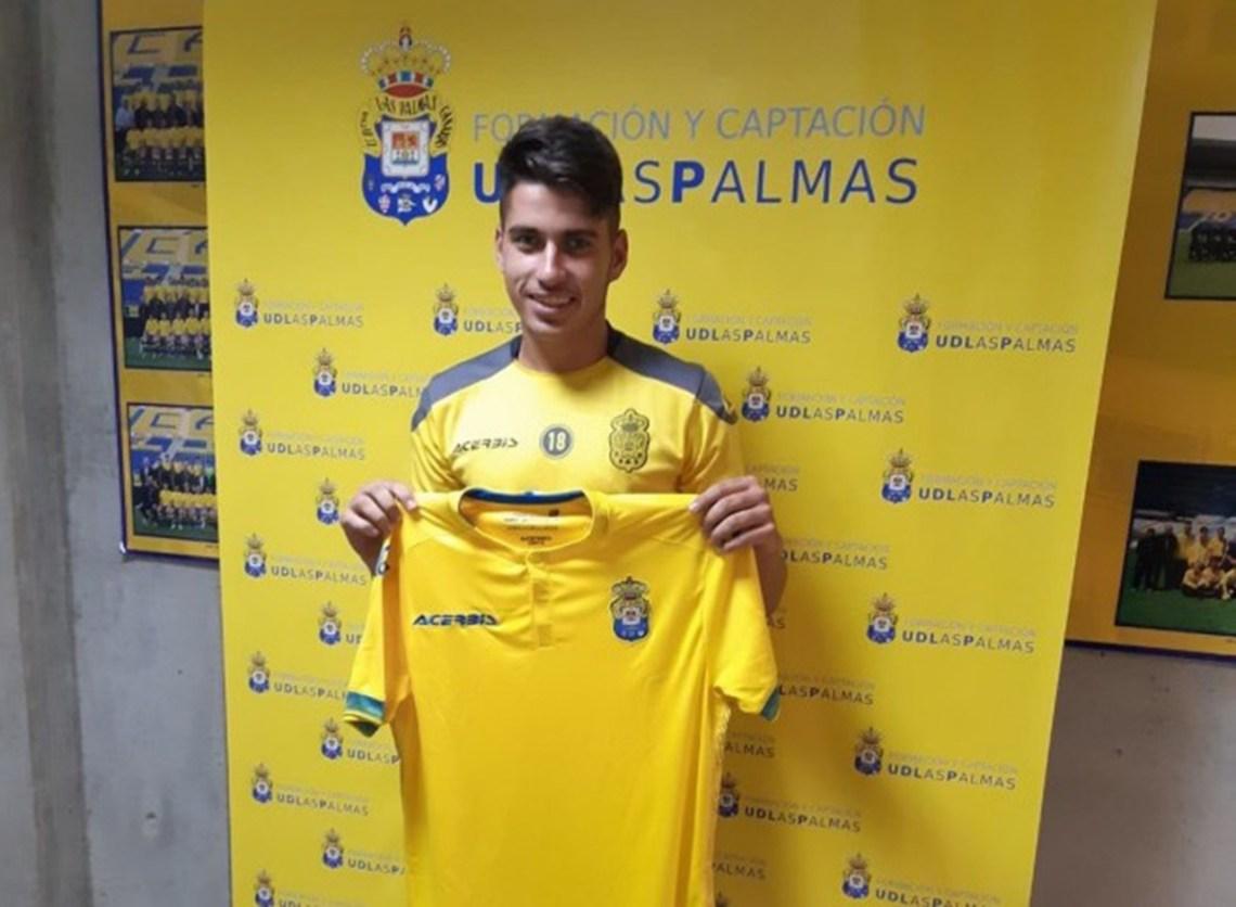 La UD Lanzarote cierra la incorporación del joven delantero Víctor Castro