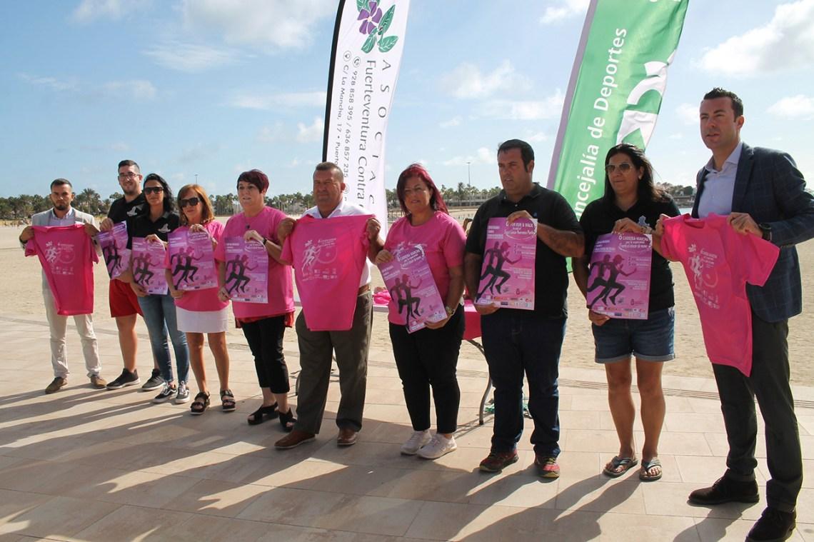 Los participantes en la Carrera Contra el Cáncer formarán un lazo  gigante y solidario en la Playa del Castillo