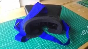 Visor VR con carcasa de plástico