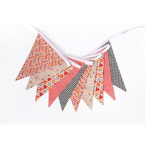 Guirnalda triángulos naranja, rojo y marrón