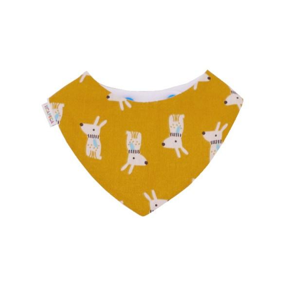Babero absorbente tipo bandana con bonito estampado de perros sobre amarillo mostaza.