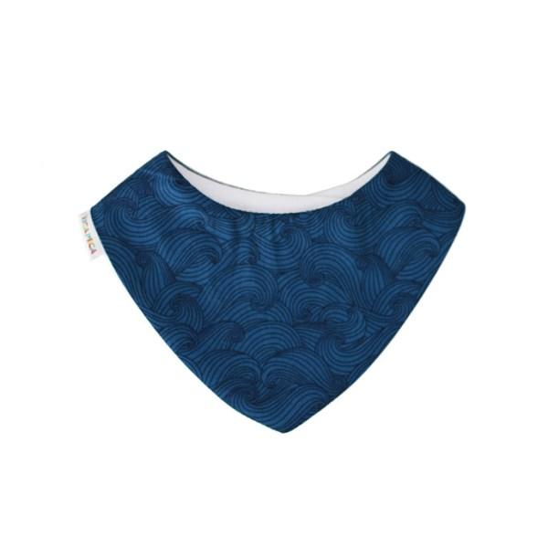 Babero tipo bandana, con tejido absorbente y estampado de olas en azul