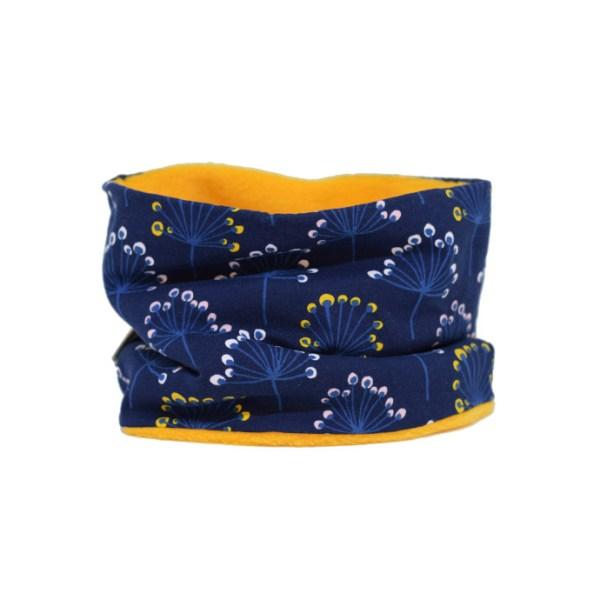 Cuello polar tipo braga de flores en azul. Protege del frío a tus hijos en invierno.