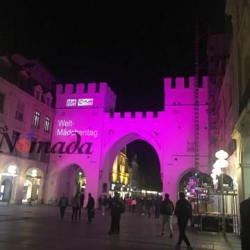 Karlstor, una de las puertas de la ciudad