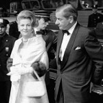 013_Charles Addams mit Joan Fontaine 1962_bei der Premiere des Films _Tender is the night_ nach Novelle von J. Scott Fitzgerald