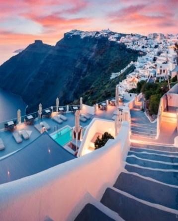 Destination Santorini Discover Hotels in Santorini Today with TicketSeller Προορισμός Σαντορίνη Ανακάλυψε ξενοδοχεία στη Σαντορίνη σήμερα με τη TicketSeller