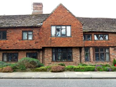 Beautiful briBeautiful Brick Building - Horsham, Englandck building - Horsham, England