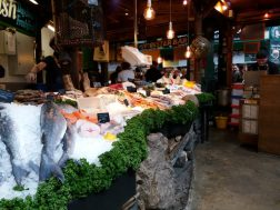 Fresh seafood at Borough Market