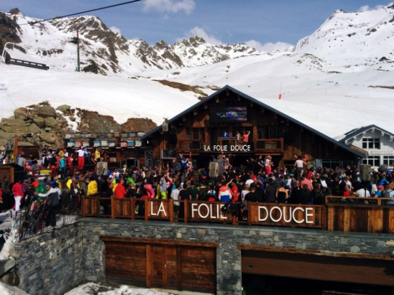 Party at La folie douce