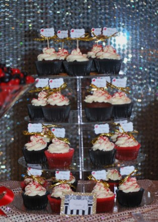 parisian-themed-party-lolly-buffet-cupcakes-gold-red2